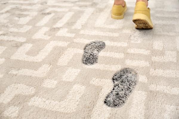 Nettoyage traces de chaussures