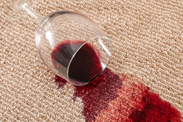 Nettoyage tâches de vin